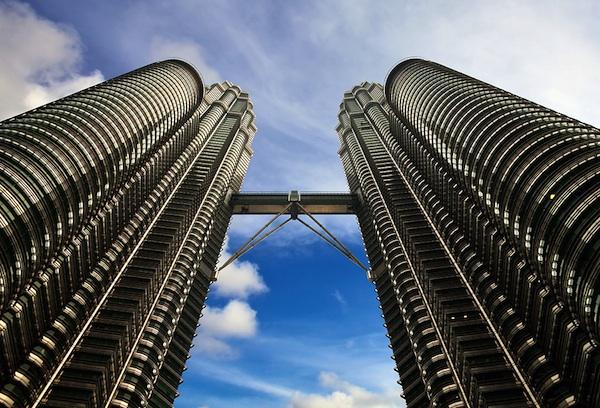 how to reach Petronas Twin Towers in Kuala Lumpur