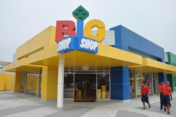 Legoland Souvenir Shop
