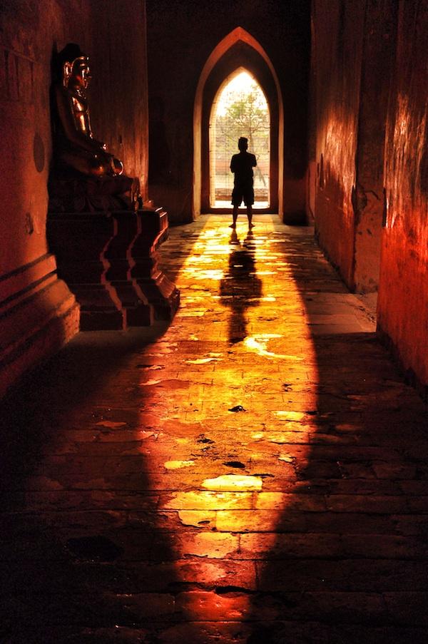 Marky Ramone Go inside Sulamani Temple