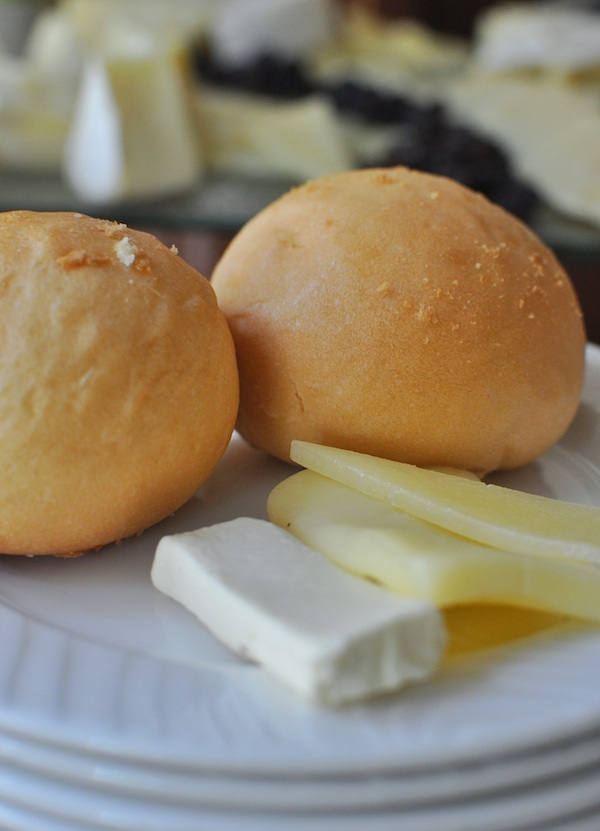 Dinner Roll & Cheese