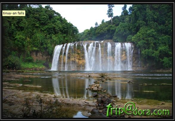 Tinuy-An Falls by Izah Morales