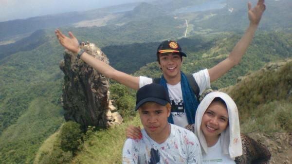 Group Selfie ontop of Mount Pico de Loro