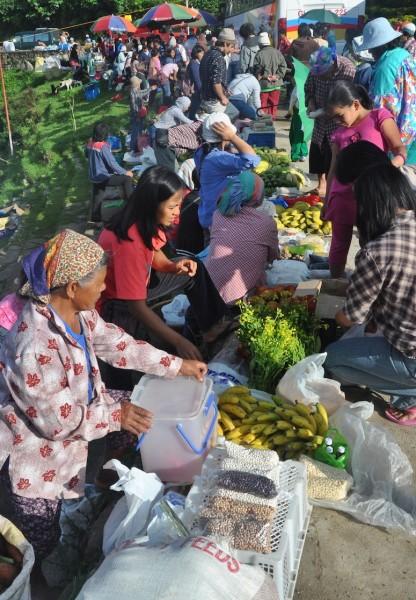 Weekend Market in Sagada