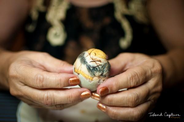 Eat Balut - Photo by John Brian Silverio