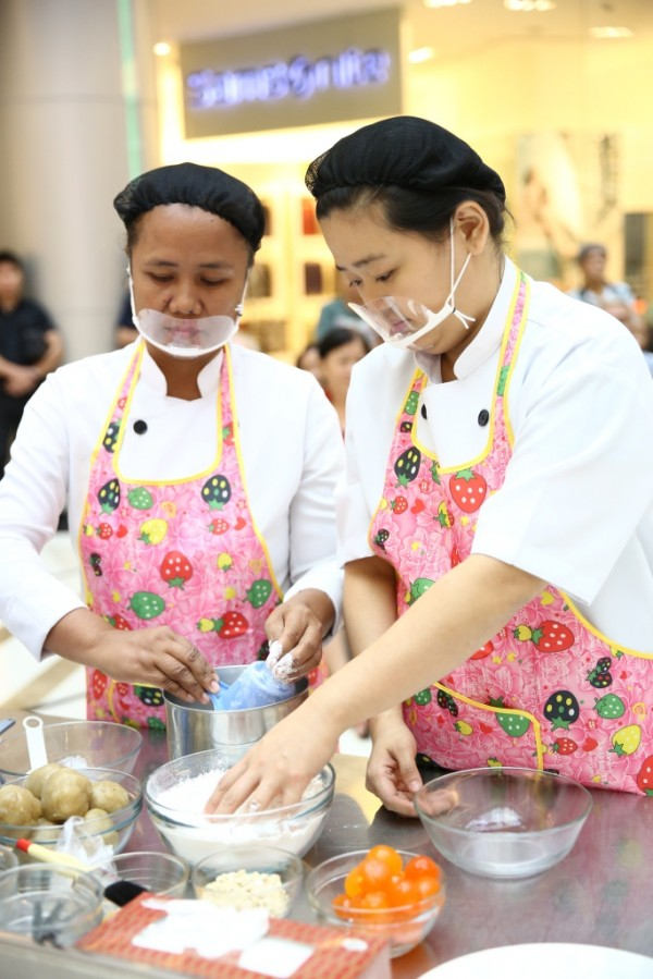 The Great Mooncake Bake-Off