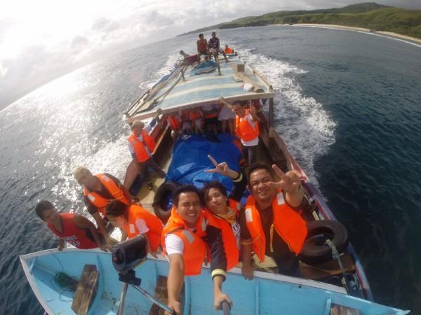 Boat ride to Vuhus Island