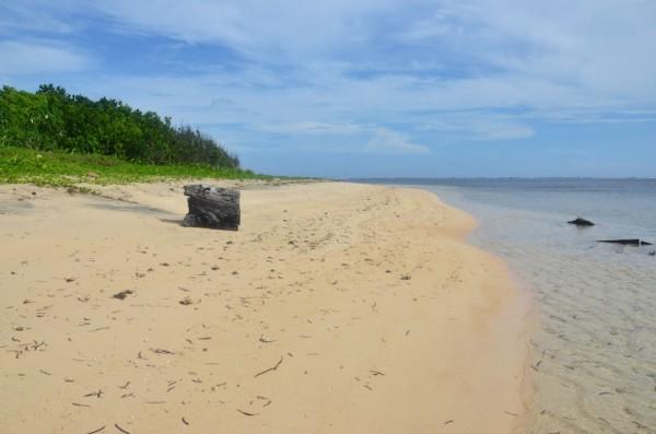 White Sand Beach in Vuhus Island