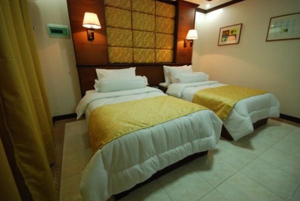 La Roca Veranda Suites and Restaurants