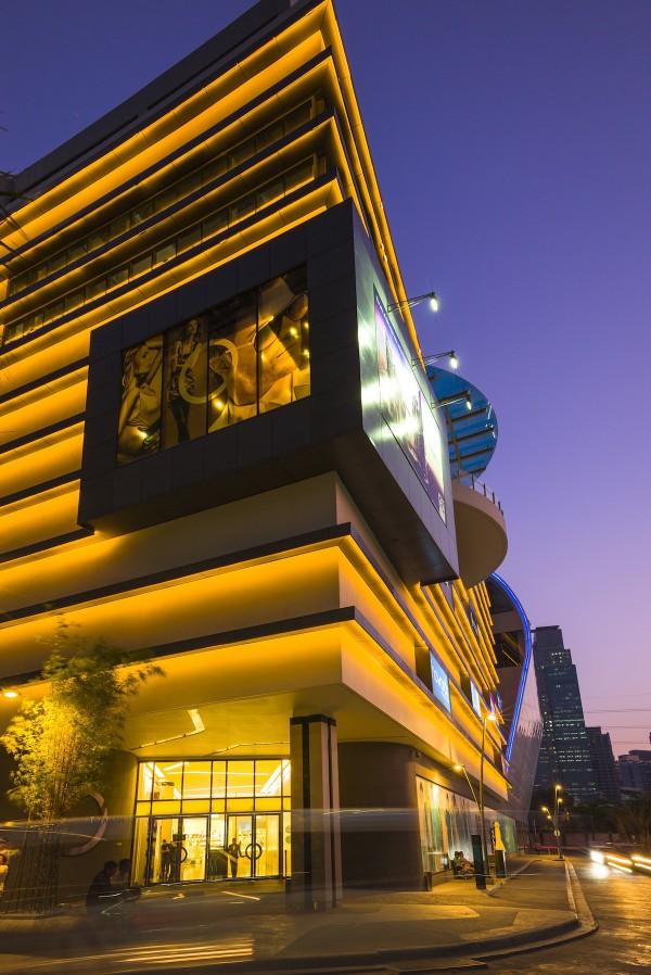 Century City Mall North Entrance