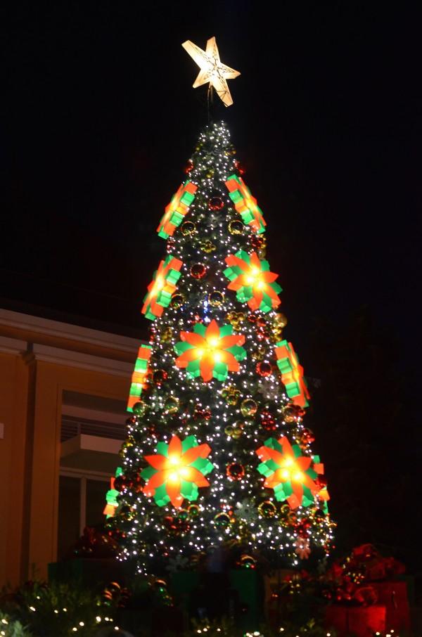 Taal Vista Hotel lights up the Christmas Season