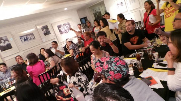 Pinoy on #Masigasig mode during the fun quiz
