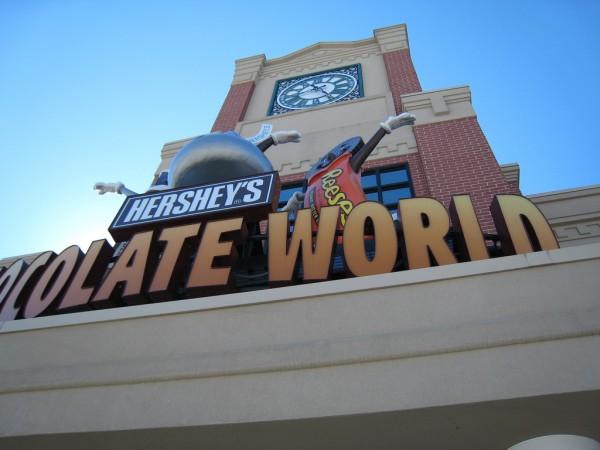 Hersheys Chocolate World by Richard Bitting via Flickr CC