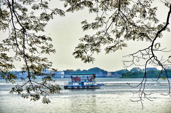 View near Kochi's shipyard