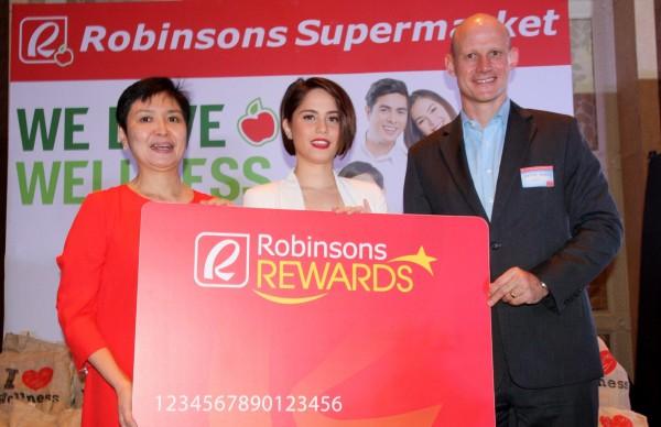 Robinsons Retail president Robina Gokongwei-Pe, Jessy Mendiola, Chevron Philippines country chair Peter Morris (Photo courtes of PNA's Ben Briones)