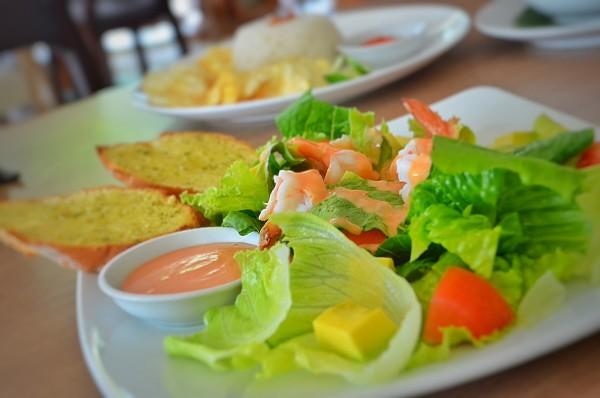 Avocado Prawn Salad