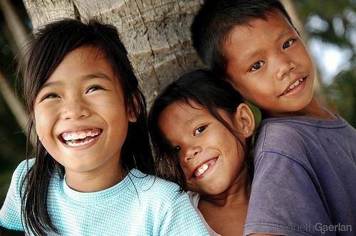 長灘島的孩子們的照片被攝肯尼斯Gaerlan