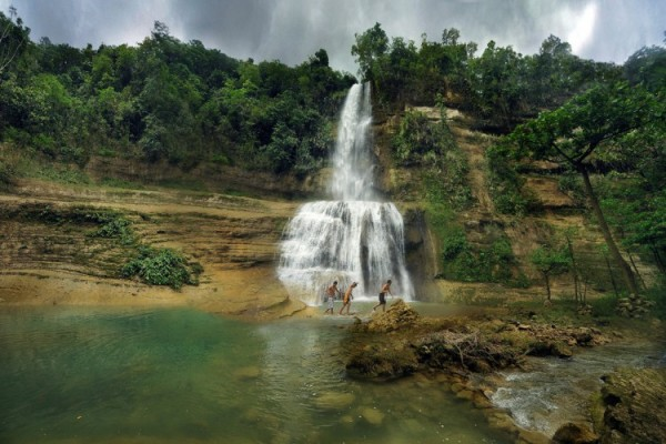 Can-umantad Falls photo by Candijay-Bohol.gov.ph