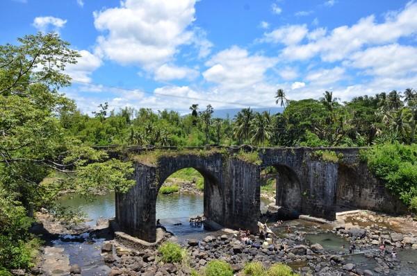 Malagonlong Bridge in Tayabas City