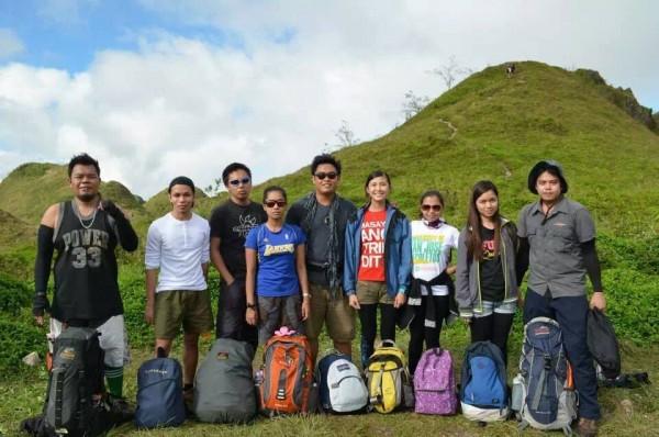 The obligatory Osmena Peak group photo