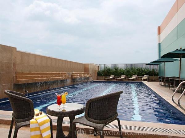 Richmonde Hotel Eastwood Pool
