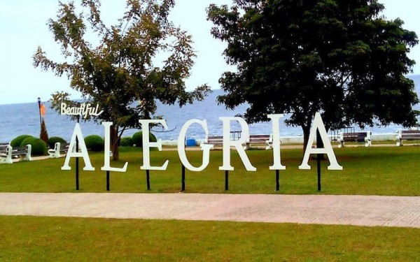 Beautiful Alegria Town Plaza