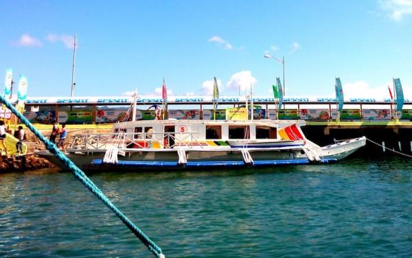 Pump boat to Boracay Island