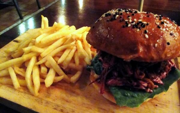 North Carolina BBQ Pulled Pork Burger
