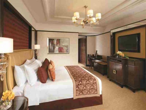 Shangri-La Hotel Kuala Lumpur Guestroom
