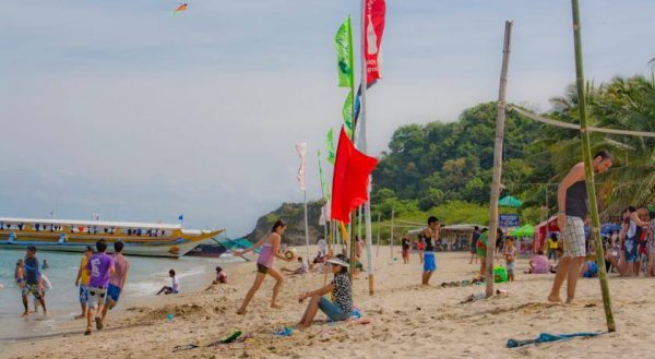 A sunny day on White Beach Resort