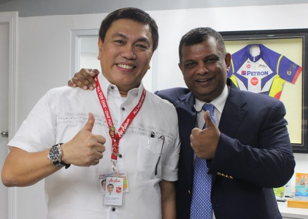 Photo Caption: (L) Philippines AirAsia CEO Captain Dexter Comendador and AirAsia Group CEO Tony Fernandes together at the AirAsia office in Pasay City, Philippines. Photo was taken yesterday (January 10).