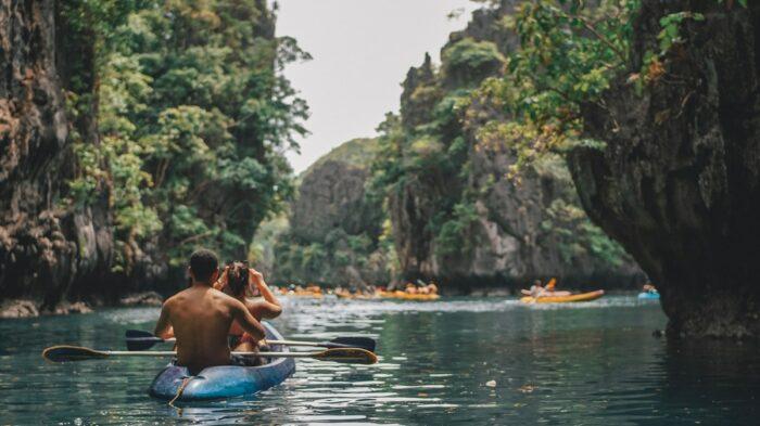 Kayaking in El Nido by Adam Navarro via Unsplash