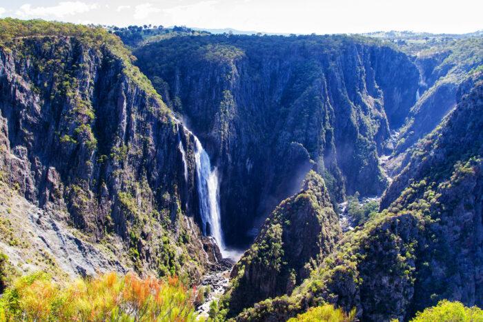 Wollomombi Falls photo via Depositphotos
