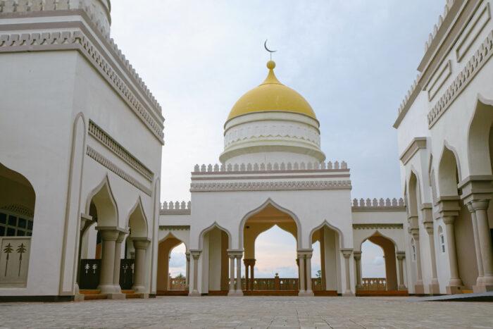 Grand Mosque of Cotabato photo via Depositphotos