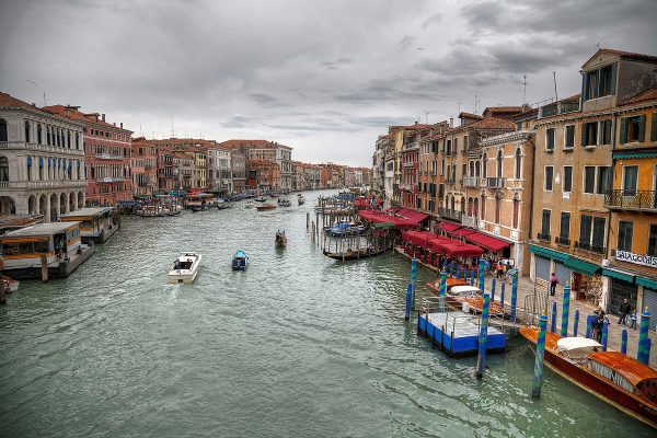The Grand Canal seen from the bridge at Ponte di Rialto.