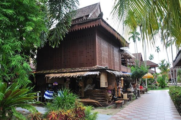 Kelantan Souvenir Shops
