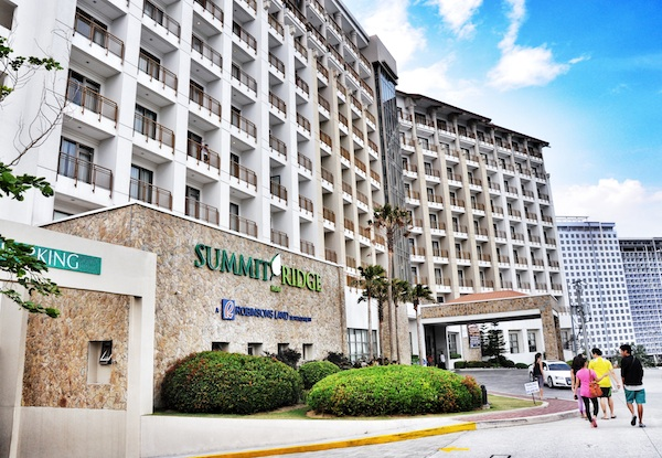 Summit Ridge Hotel Tagaytay Facade