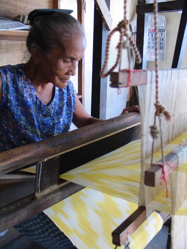 Abel Iloco Weaving in Beddeng Daya