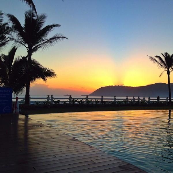 Sunrise in Sabang Beach