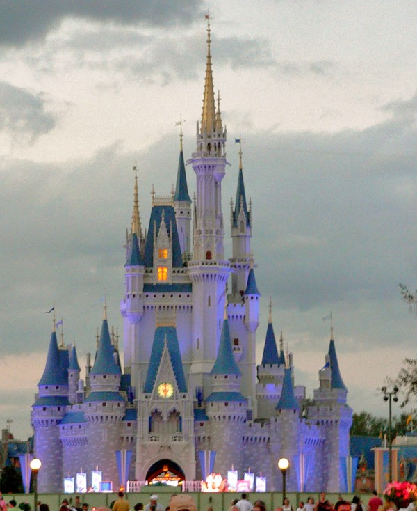 Walt Disney World Resort (photo by Wikipedia)