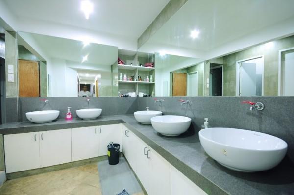 Clean Sinks