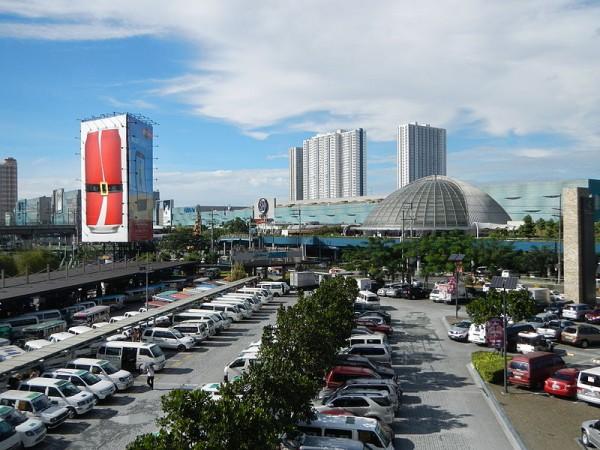 SM City North Edsa photo by Ramon FVelasquez via Wikipedia CC