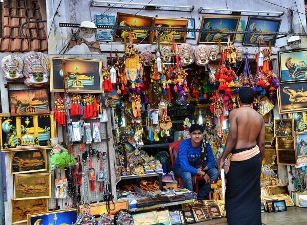 Souvenir Shops outside Padmanabhaswamy Temple