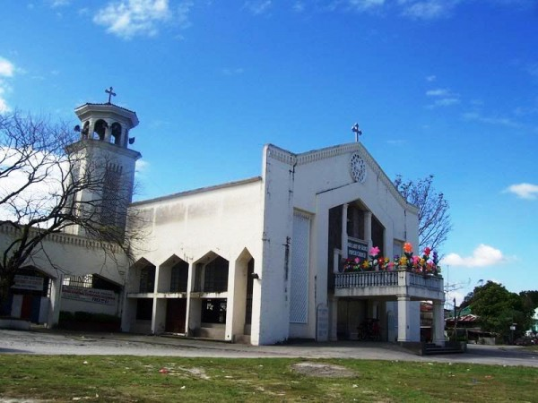 Our Lady of Divine Grace Parish Church by Ramon FVelasquez - Own work. Licensed under CC BY-SA 3.0 via Wikimedia Commons