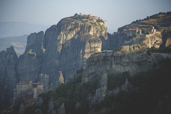 The monastery at Meteora by Dennis David Auger - Own work. Licensed under CC BY-SA 4.0 via Wikimedia Commons