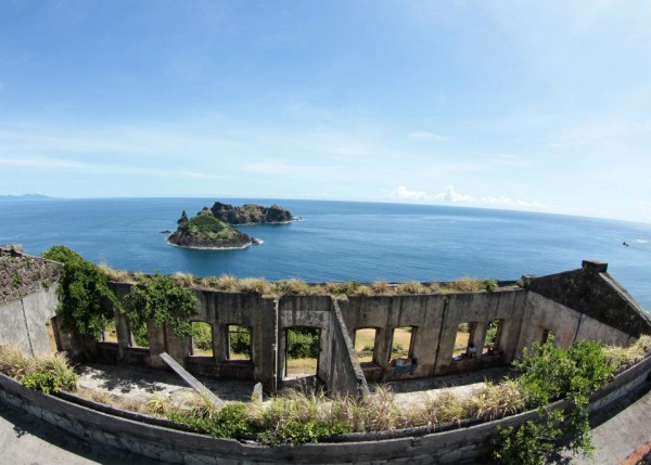 Pacific Ocean view from top of Cape EngañoLighthouse, Palaui Island- by Supermanslash - Own work. Licensed under CC BY-SA 3.0 via Wikimedia Commons
