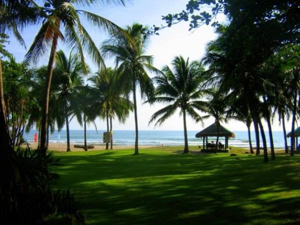 Montemar Beach Club Resort in Bataan