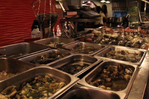 A variety of freshest seafood catch only available in Leyte Island is within reach at the Ocho Seafood & Grill.