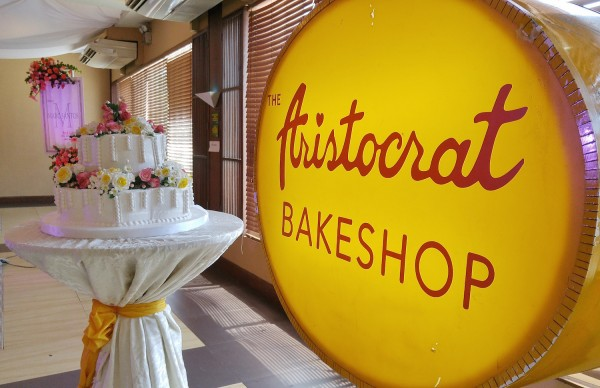 Aristocrat Bakeshop Wedding Cakes