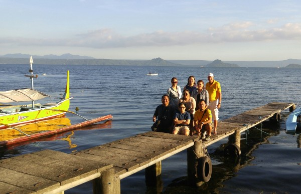 Bloggers at the Taal Lake Yacht Club