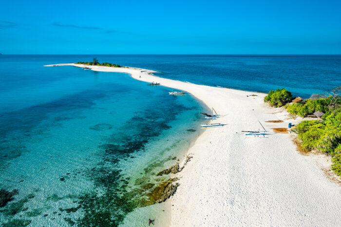 Cresta de Gallo Island Travel Guide